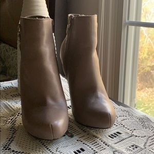 Guess Suede/leather heels